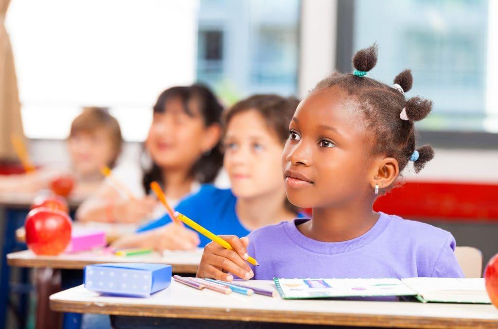 Trabalhador deve comprovar frequência escolar dos filhos 2