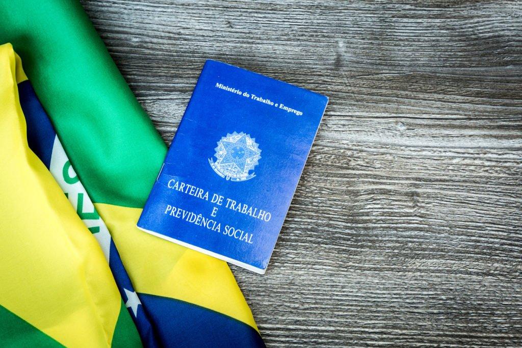 Governo revoga MP do Contrato Verde e Amarelo 2